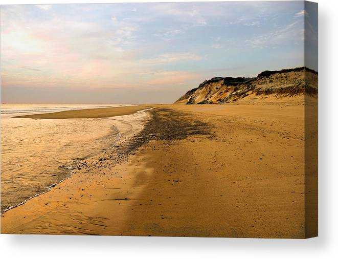 Canvas Print featuring the photograph Secluded Beach by Brian OSullivan