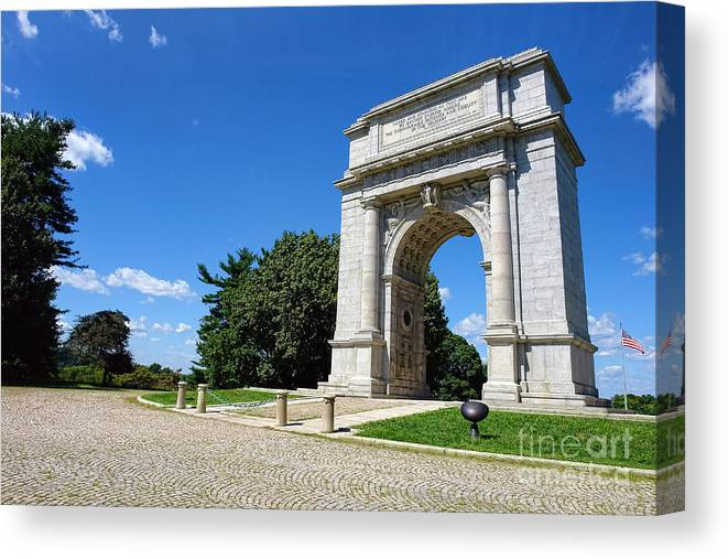 Valley Forge Canvas Print featuring the photograph Triumph And Sorrow Arch by Olivier Le Queinec