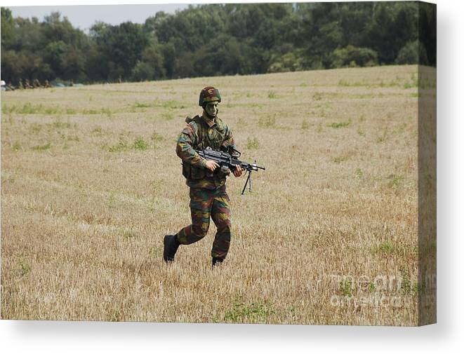 Armed Forces Canvas Print featuring the photograph Belgian Paratroopers Proceeding by Luc De Jaeger