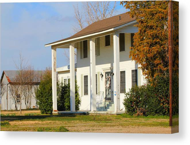 Bobo Canvas Print featuring the photograph Boyd Lane Plantation Front by Karen Wagner