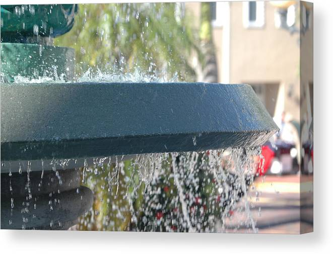 Fountain Canvas Print featuring the photograph Fountain 2 by Susie Carr