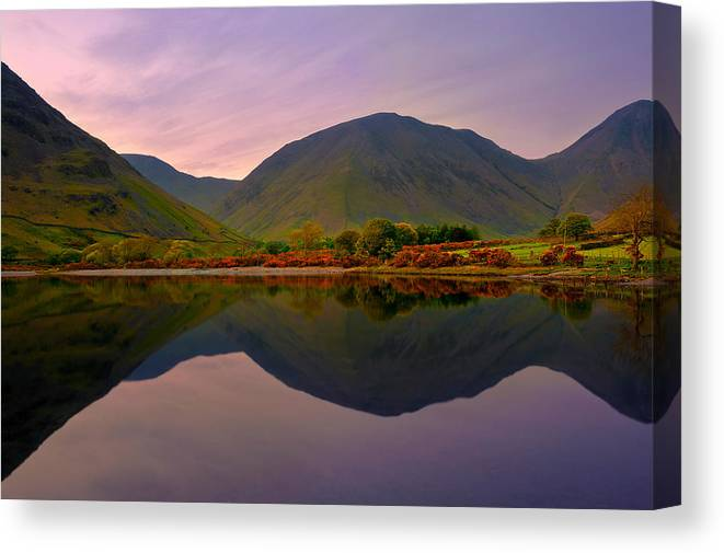 Bay Canvas Print featuring the photograph Horizon Line by Svetlana Sewell