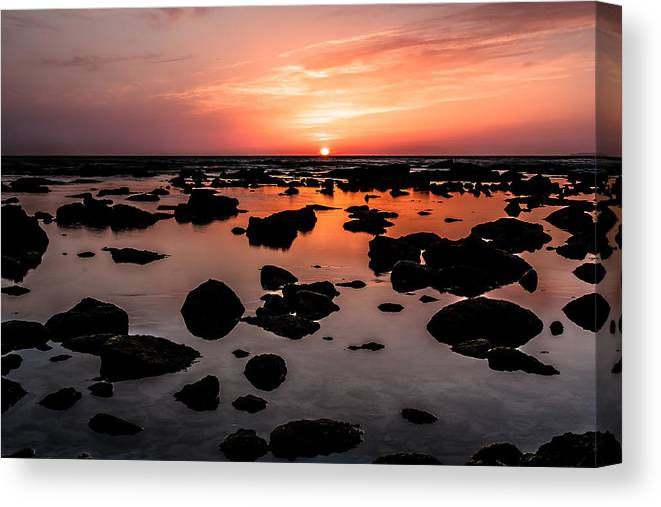 Sunset Canvas Print featuring the photograph Inspired Light by Edgar Laureano