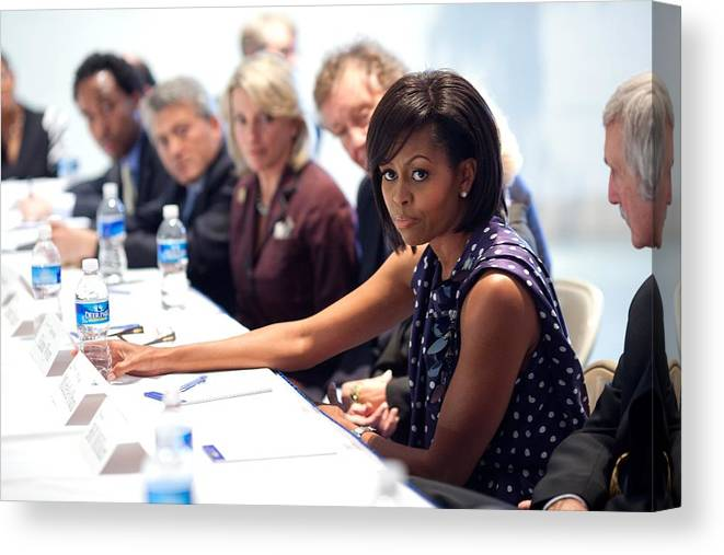 History Canvas Print featuring the photograph Michelle Obama Attends A Meeting by Everett