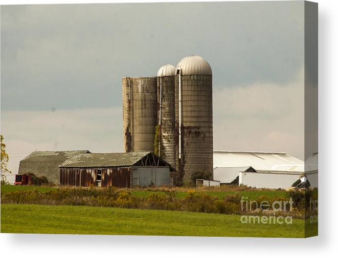 Farm Canvas Print featuring the photograph Rural Country Farm by Darleen Stry