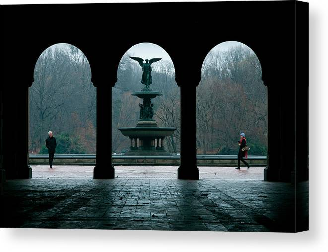 Bethesda Fountain Canvas Print featuring the photograph Strangers In A Park by Heidi Reyher