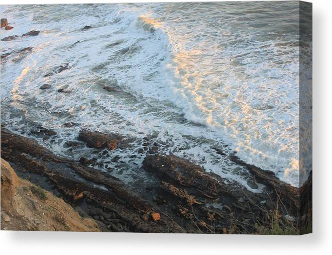 Coast Canvas Print featuring the photograph California Coastline 0554 by Edward Ruth
