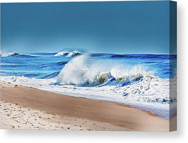 Beach Canvas Print featuring the photograph East End Long Island by Linda Pulvermacher