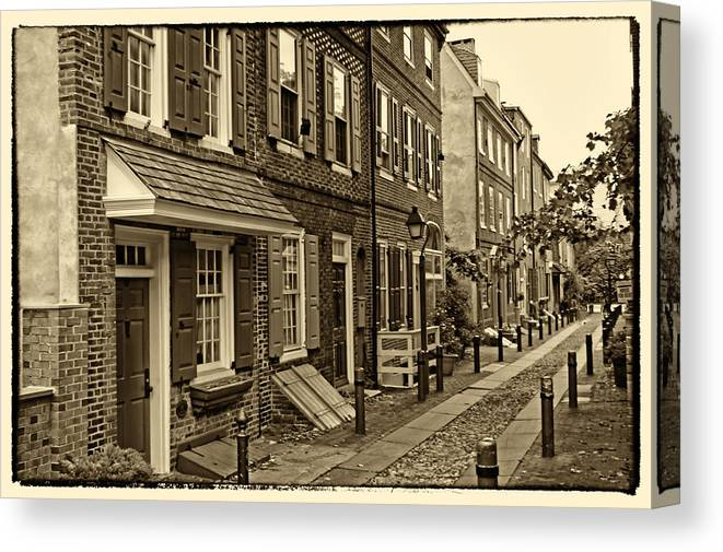 Philadelphia Canvas Print featuring the photograph Elfreths Alley by Jack Paolini
