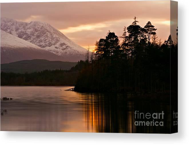 Loch Lochy Canvas Print featuring the photograph Loch Lochy by David Bleeker