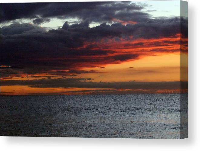Sunrise Canvas Print featuring the photograph Morning Horizon by Mary Haber