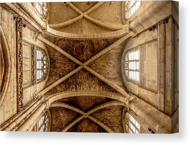Collégiale Notre-dame De Poissy Canvas Print featuring the photograph Poissy, France - Ceiling, Notre-dame De Poissy by Mark Forte