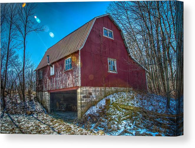 Midwest Canvas Print featuring the photograph Red Indiana Barn by Ina Kratzsch