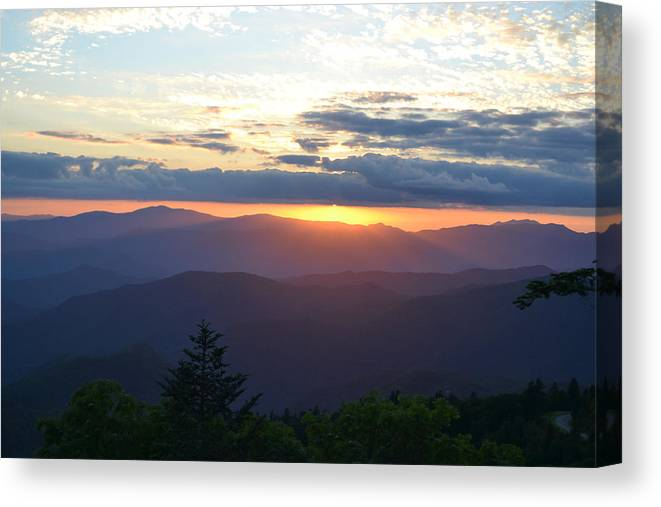 Rd Erickson Canvas Print featuring the photograph Returning Sunset Great Smoky Mountains by RD Erickson