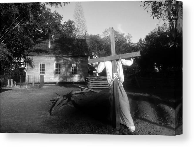 Scarecrow Canvas Print featuring the photograph Scarecrow by David Lee Thompson