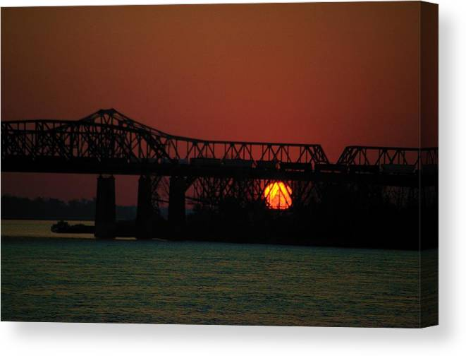 Memphis Canvas Print featuring the photograph The 55 Bridge by Bob Guthridge