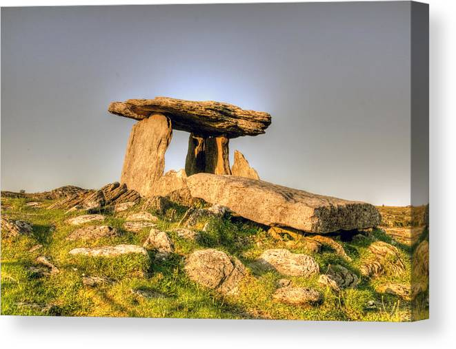 Poulnabrone Canvas Print featuring the photograph The Poulnabrone Dolmen by John Quinn