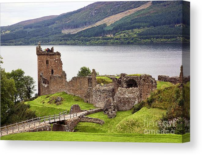 Urquhart Castle Canvas Print featuring the photograph Urquhart Castle I by Chuck Kuhn