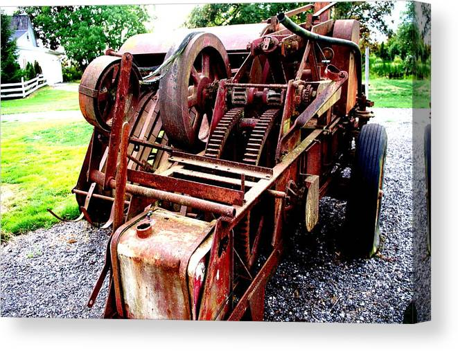 Canvas Print featuring the photograph Vintage Tractor by Ming Yeung