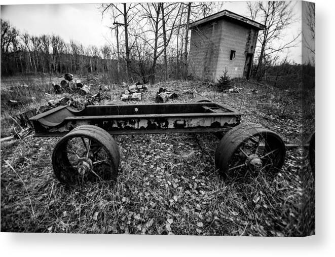 Outdoors Canvas Print featuring the photograph Wagon Wheel by George Patterson