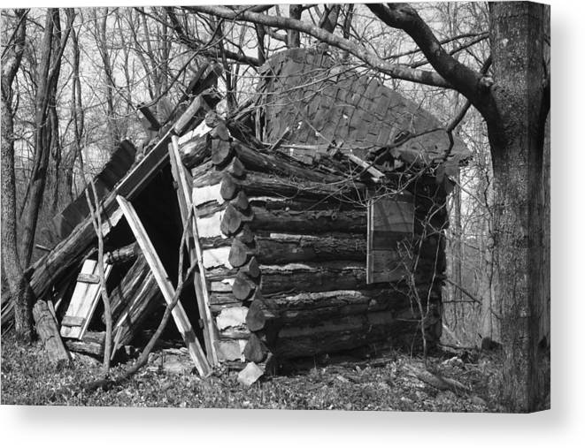 Wood Canvas Print featuring the photograph Winslowcabinhorizontal by Curtis J Neeley Jr