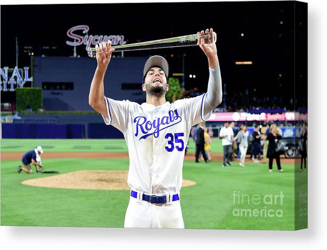 Three Quarter Length Canvas Print featuring the photograph 87th Mlb All-star Game 4 by Harry How