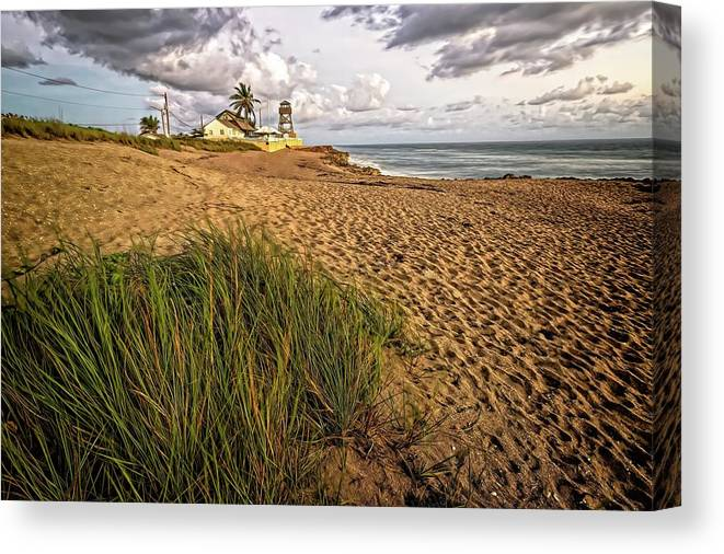 Beach Canvas Print featuring the photograph House Of Refuge Beach 10 by Steve DaPonte