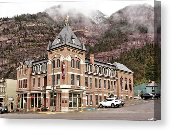 Building Canvas Print featuring the photograph Ouray Colorado - Architecture - Hotel by John Trommer