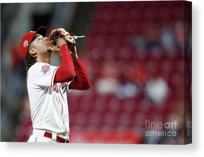 Great American Ball Park Canvas Print featuring the photograph Luis Castillo by Joe Robbins
