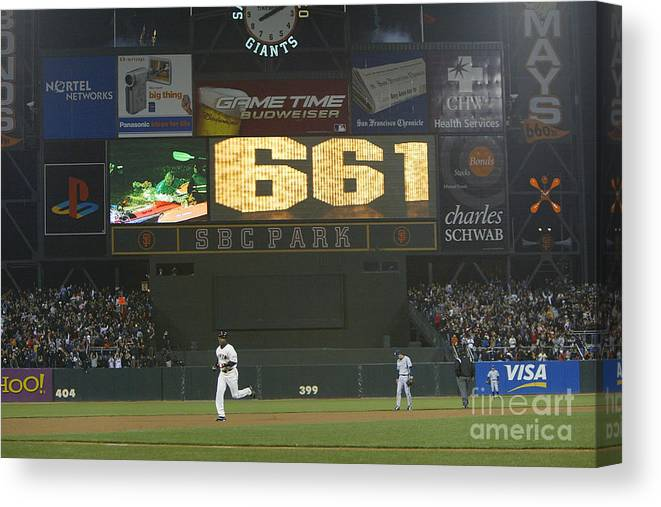 San Francisco Canvas Print featuring the photograph Barry Bonds by Justin Sullivan