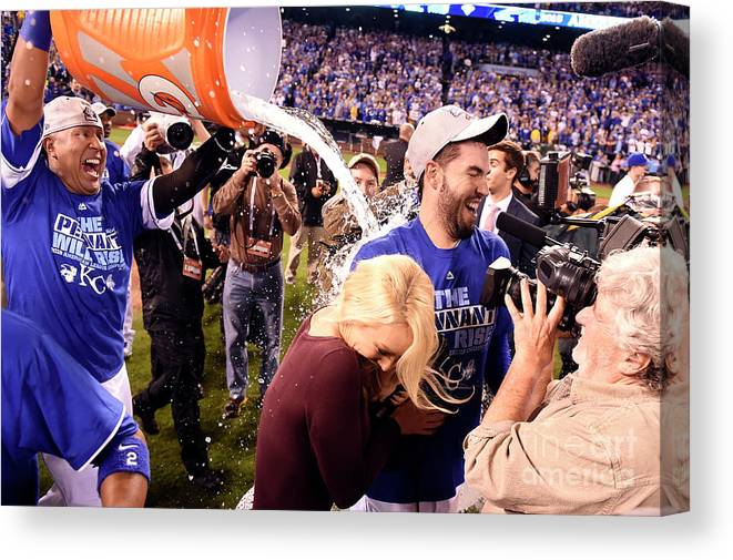 Playoffs Canvas Print featuring the photograph Salvador Perez by Lg Patterson