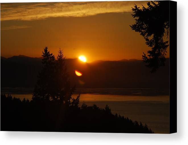 Sunrise Canvas Print featuring the photograph Daybreak by Michael Merry