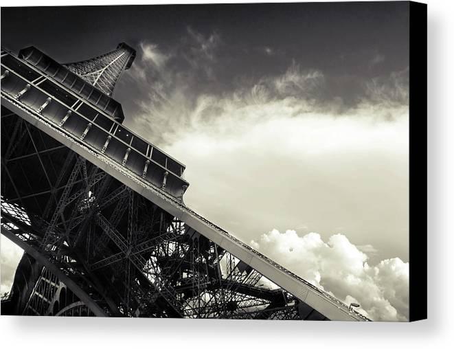 Horizontal Canvas Print featuring the photograph Eiffel Tower by Simona Dumitru