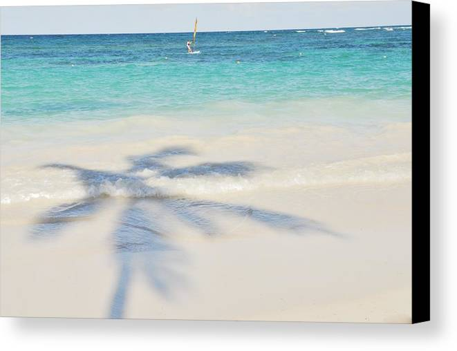 Landscape Canvas Print featuring the photograph Evocation03 by Ricardo Hernandez