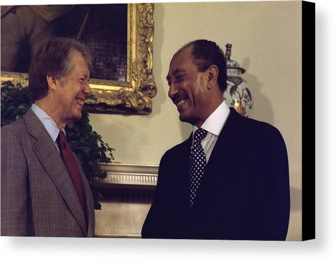 History Canvas Print featuring the photograph Jimmy Carter With Egyptian President by Everett