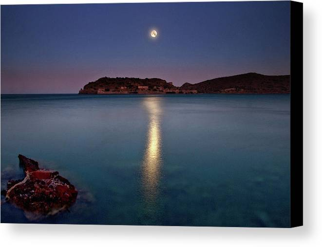 Horizontal Canvas Print featuring the photograph Spinalonga Full Moon by Christos Tsoumplekas