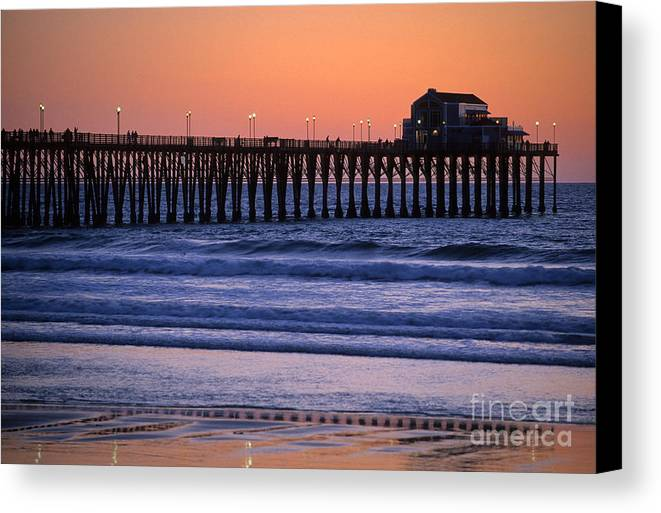 Bronstein Canvas Print featuring the photograph Twilight At Imperial Pier by Sandra Bronstein