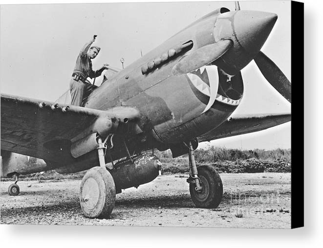 Warhawk P40 1943 Canvas Print featuring the photograph Warhawk P40 1943 by Padre Art