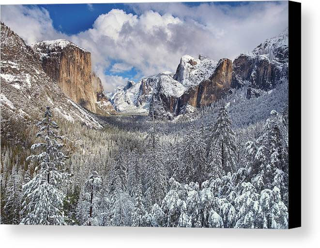 Horizontal Canvas Print featuring the photograph Yosemite Valley In Snow by Www.brianruebphotography.com