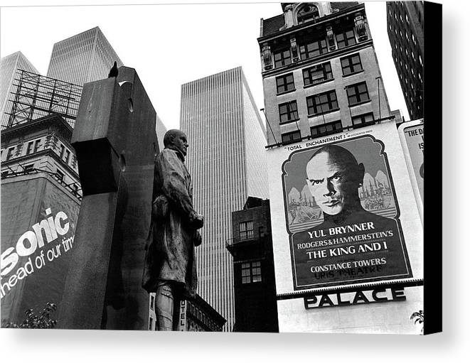 Film Homage The Fighting 69th 1940 Fr. Duffy Statue Yul Brynner Palace Theater New York 1977 Canvas Print featuring the photograph Film Homage The Fighting 69th 1940 Fr. Duffy Statue Yul Brynner Palace Theater New York 1977 by David Lee Guss