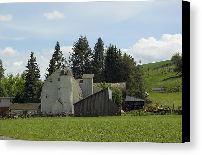 Barn Canvas Print featuring the photograph Dahmen Barn Historical by Louise Magno