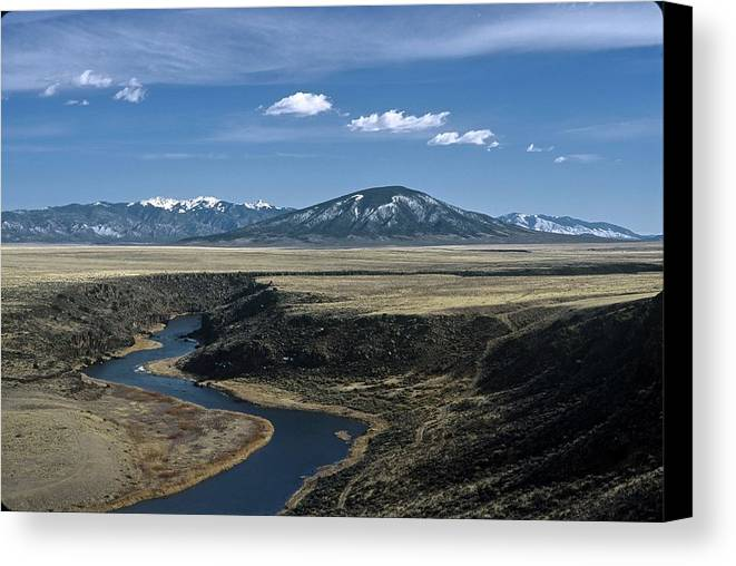 Landscape Canvas Print featuring the photograph Gorge Beginning by Lynard Stroud