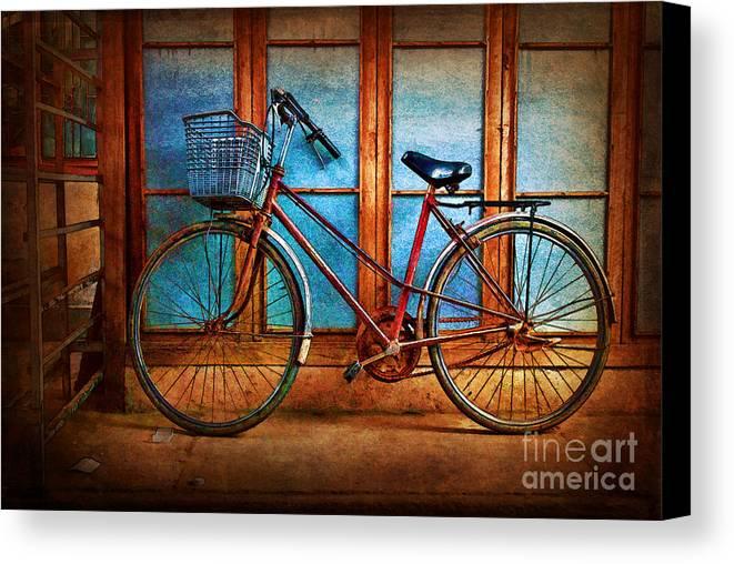 Hoi An Canvas Print featuring the photograph Hoi An Bike by Stuart Row