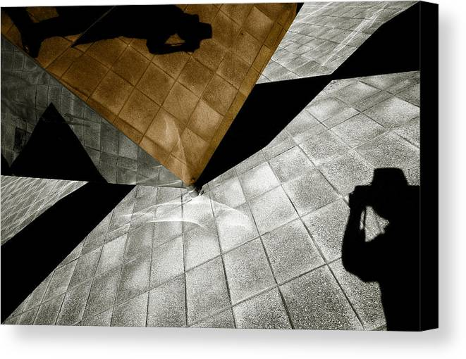 Sculpture Canvas Print featuring the photograph Mirror Act by Wayne Sherriff