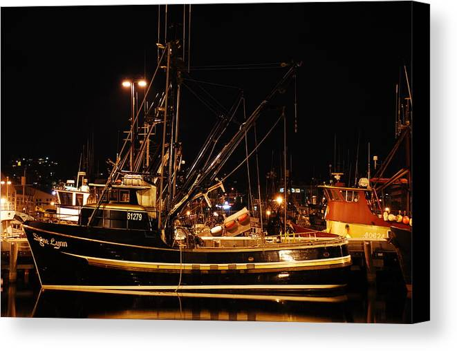 Fishing Canvas Print featuring the photograph Signe Lynn by Alasdair Turner