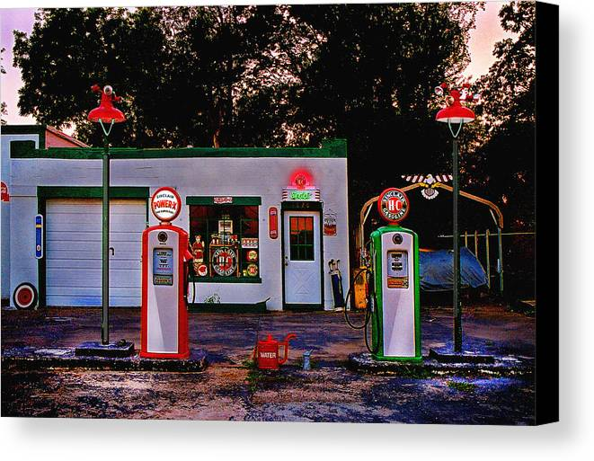 Gas Station Canvas Print featuring the photograph Sinclair by Steve Karol