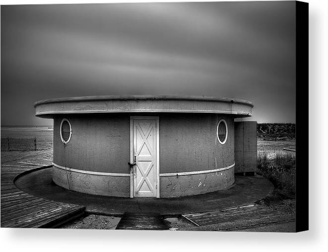 Beach Canvas Print featuring the photograph What Goes 'round Comes 'round by Evelina Kremsdorf