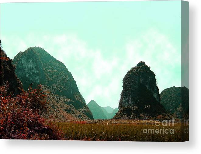 Landscape Canvas Print featuring the photograph Chi Bai No II by Dot Xie