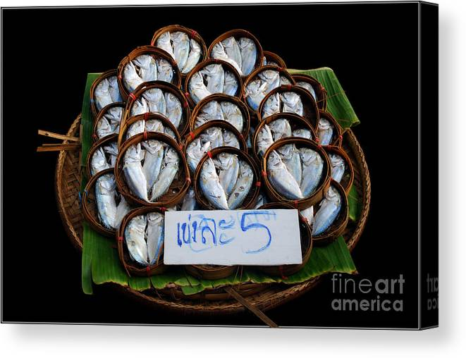 Fish Banana Leaf Thailand Culture Color Bamboo Bucket Canvas Print featuring the photograph Fishs In Three by Ty Lee