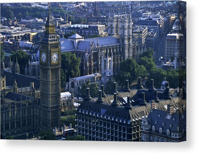 London Canvas Print featuring the photograph London by Wes Shinn